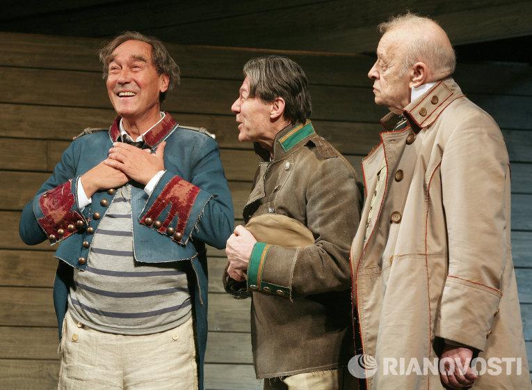 Александр Збруев в спектакле Ленкома по пьесе Н.В.Гоголя Женитьба