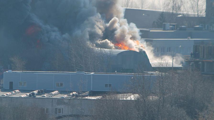 Масштабный пожар в оккупированном Краснодоне - взорвалась цистерна с топливом - Цензор.НЕТ 3875
