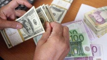 Доллары, евро и гривны