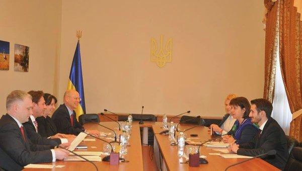 Наталия Яресько на встрече с экспертом по вопросам налоговой политики Штеффеном Шольце