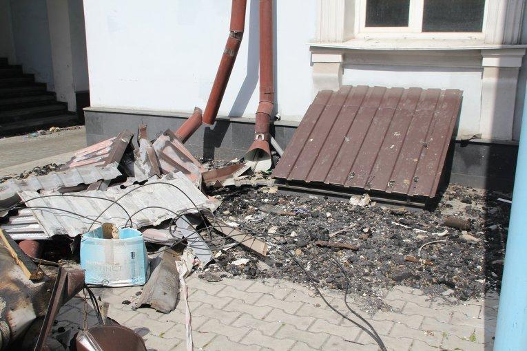 В Одессе возле оперного театра рухнула крыша в Доме Лидерса