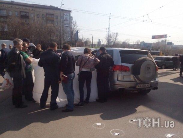 Кадры с места расстрела бизнесмена в Киеве