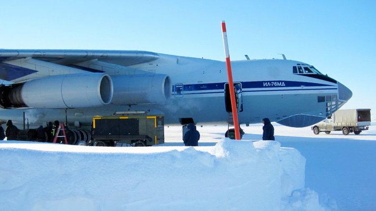 Северный сокол-2016: украинские военные авиаторы совершили первый полет на полярную станцию Норд