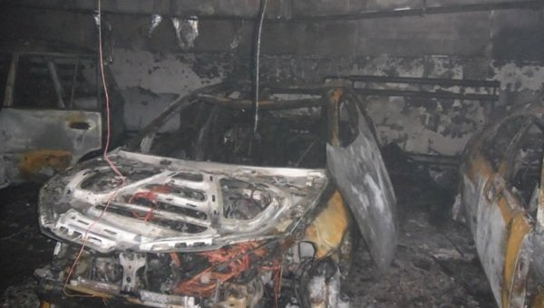 В Киеве в двухярусном паркинге сгорели 4 автомобиля