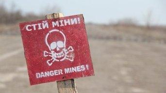 На севере Донецкой области линия разграничения сторон проходит по, так называемой, Светлодарской дуге