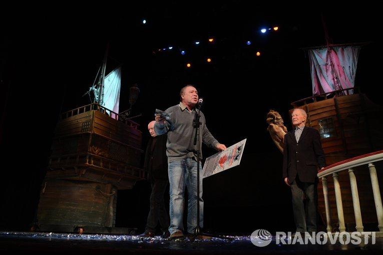 Альберт Филозов на юбилейном вечере Льва Дурова