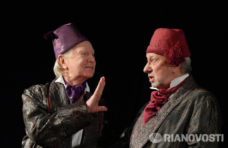 Альберт Филозов на сцене