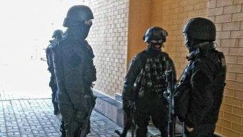 В Боярке силовики штурмуют базу с экс-ротой Торнадо