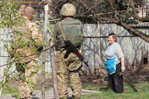 Боевики направляют огонь изминометов поАвдеевке, Березовому иТарамчуку