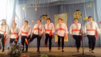 """Под Одессой пышки исполнили хит о """"лабутенах"""" на украинском языке"""