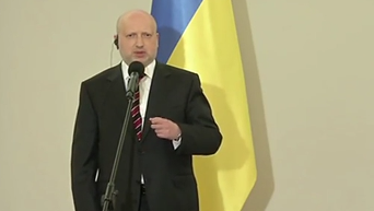 Турчинов призвал Польшу ввести санкции по списку Cавченко-Сенцова. Видео