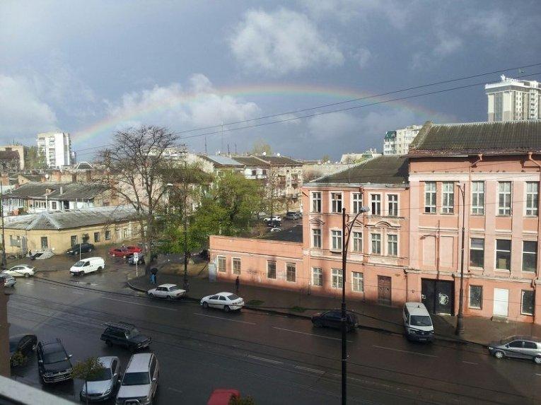Над Одессой после дождя появилась большая радуга