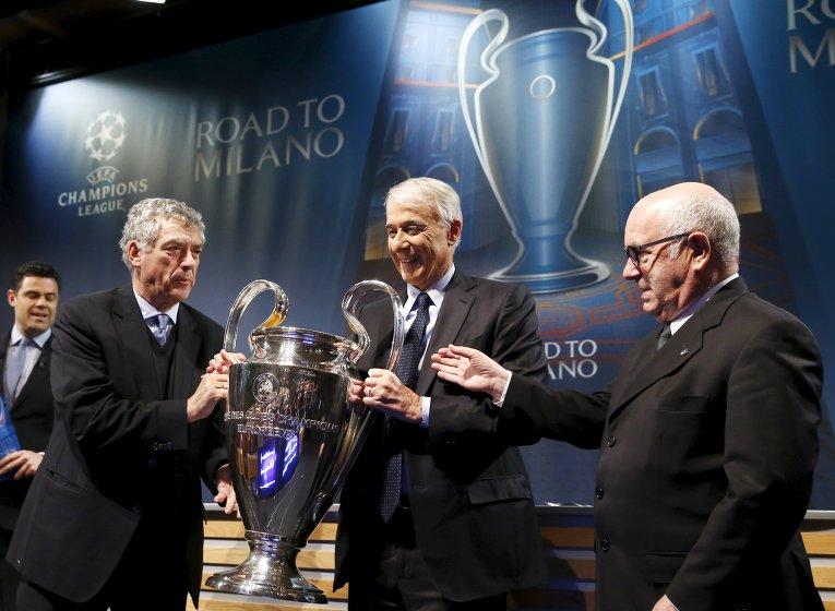 По результатам жеребьевки, состоявшейся в пятницу в штаб-квартире UEFA в швейцарском Ньоне, в 1/2 финала Лиги чемпионов-2015/16 Реал сыграет с Манчестер Сити, а Бавария — с Атлетико.