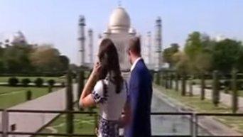 Принц Уильям и Кейт Миддлтон посетили Тадж Махал. Видео