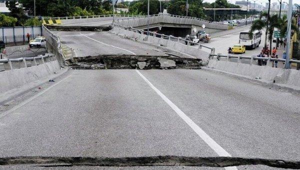 Последствия разрушительного землетрясения в Эквадоре. Архивное фото