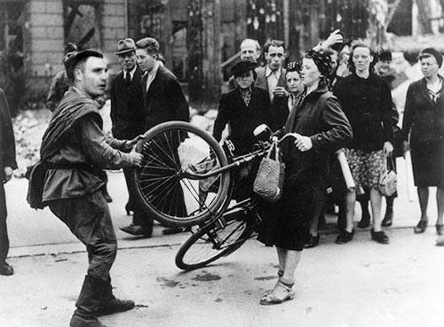 Кличко упал с велосипеда в центре Киева