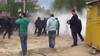 Столкновения на месте скандальной застройки на Позняках в Киеве