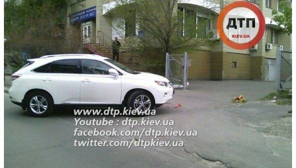 Lexus, который задавил ребенка в Киеве