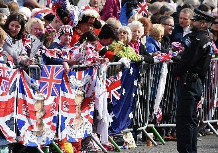 Британия отмечает 90-летний юбилей королевы Елизаветы