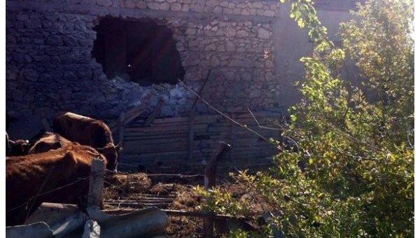 Минобороны Азербайджана опубликовало фото разрушенного обстрелами жилого дома