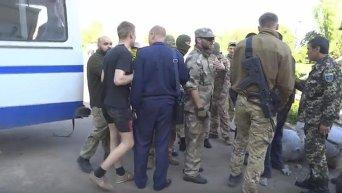 Азов опубликовал видео потасовки с местными жителями в Одесской области из-за сноса памятника Ленину