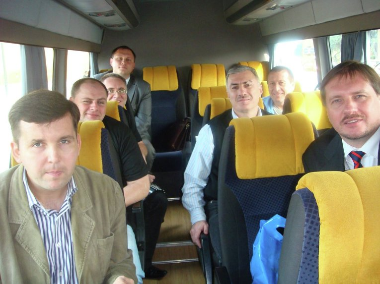 Андрей Дорошенко (крайний слева) и Тарас Чорновил (крайний справа). Архивное фото
