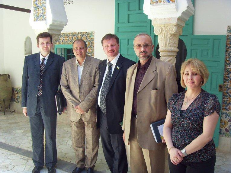 Андрей Дорошенко (крайний слева) и Тарас Чорновил (в центре). Архивное фото