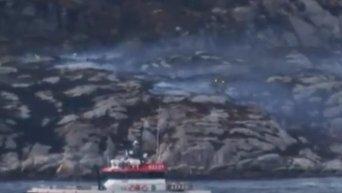 На месте падения вертолета в Норвегии. Видео