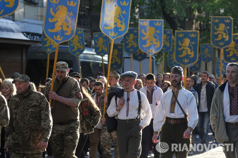 Шествие в годовщину создания дивизии СС Галичина во Львове