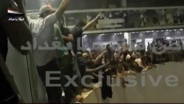 Протестующие прорвались к зданию парламента в Багдаде