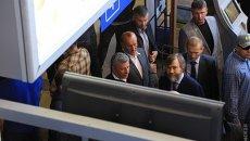 Юрий Бойко и Вадим Новинский в аэропорту Одессы