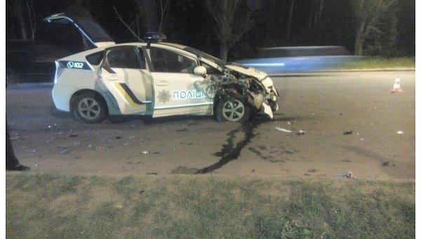 В Харькове в тройное ДТП попал автомобиль полиции