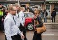 В шведском городе Борлэнге темнокожая активистка Тесса Асплунд в одиночку выступила против марша неонацистов из Северного движения сопротивления