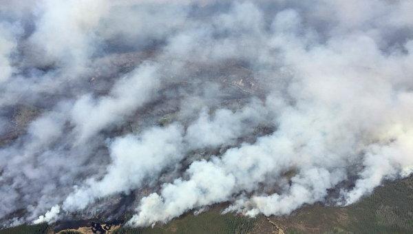 Огонь отрезал канадский Форт Мак-Мюррей отостальной части страны