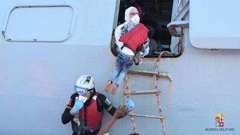 Спасение мигрантов в Сицилийском проливе
