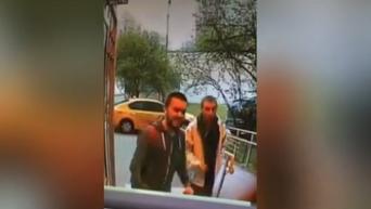 Появились видео с подозреваемым в убийстве журналиста в Москве. Видео