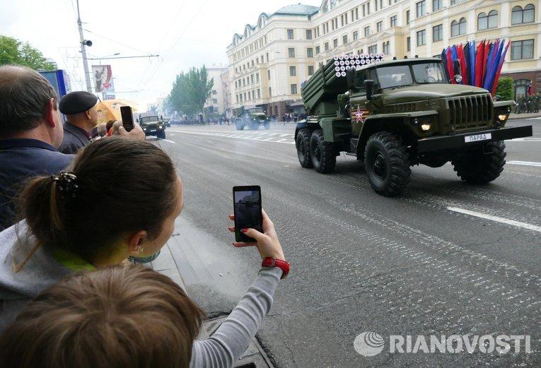 Генеральная репетиция военного парада в Донецке