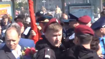 Драка в Черкассах из-за красного знамени, которое принесли ветераны