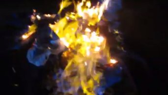 В Краматорске сожгли георгиевские ленточки