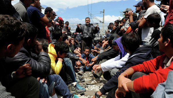 Картинки по запросу фото волнами мигрантов