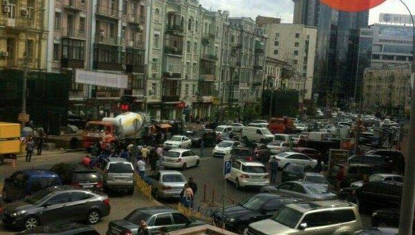 Масштабная пробка в центре Киева