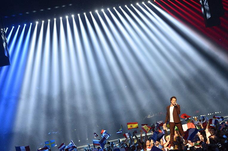 От Франции на конкурсе выступал певец Амир Хаддад