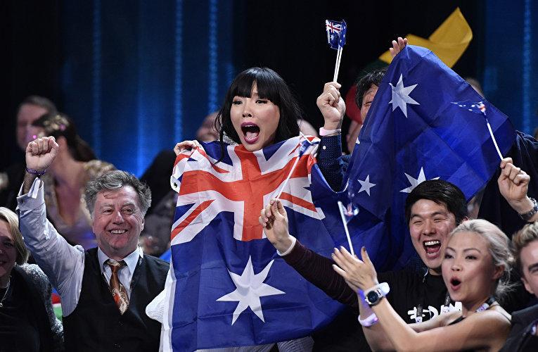 Запоминающийся порядок на день рождения от занявшей второе место Дэми Им получила девушка по имени Элис Гиббонс, прилетевшая из Австралии в Швецию специально, чтобы поболеть за соотечественницу на конкурсе. Певица поздравила девушку со сцены.