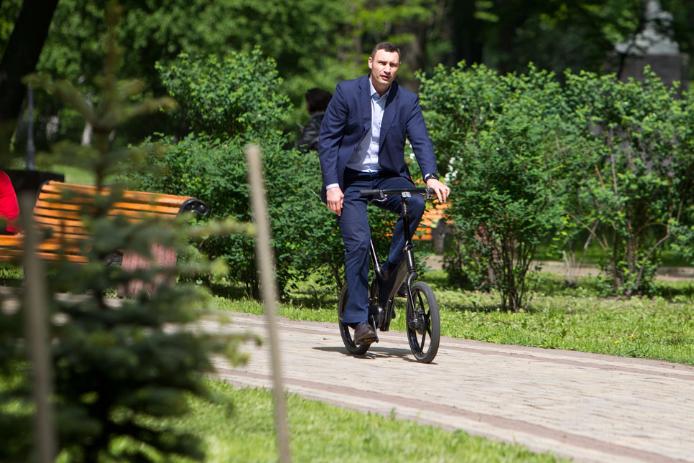 Кличко с послом Израиля высадили в Мариинском парке Аллею Израиля