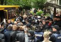 Потасовка между АТОшниками и титушками, охранявшими управление Госгеокадастра в Житомире