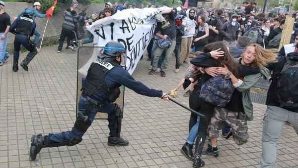 Протесты во Франции: ситуация накаляется