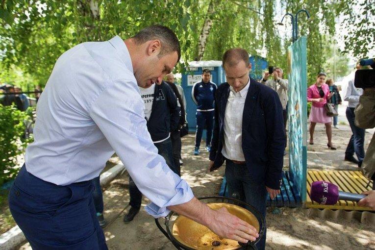 Виталий Кличко проверил подготовку пляжей Киева к сезону
