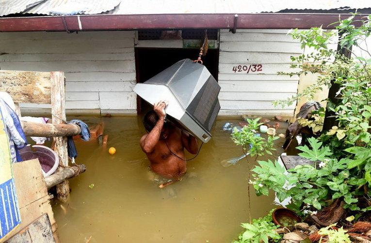 Последствия наводнения на Шри-Ланке