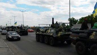 Колонна военной техники на Жулянах. Видео