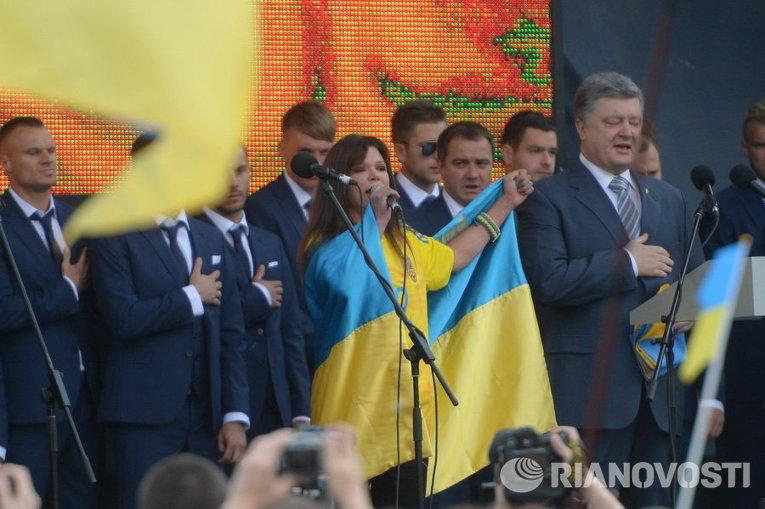 Порошенко проводил сборную Украины на Евро-2016
